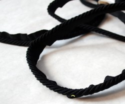 BC10008 02 Black Lip Cord Trim