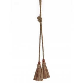 Fabulous Gita Hillside Decorative Tassel